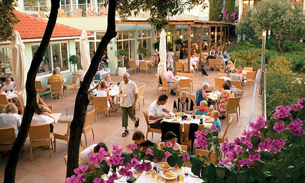 05-valamar-club-dubrovnik-restaurant